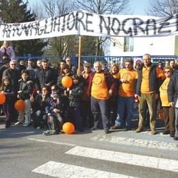 I carabinieri bloccano la manifestazione