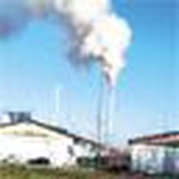 Allarme a Cornegliano: una densa colonna di fumo in cielo