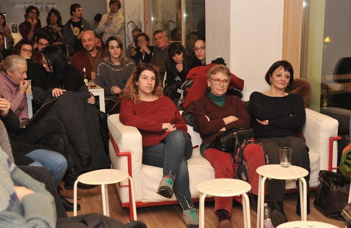 Il pubblico nel locale di viale Pavia
