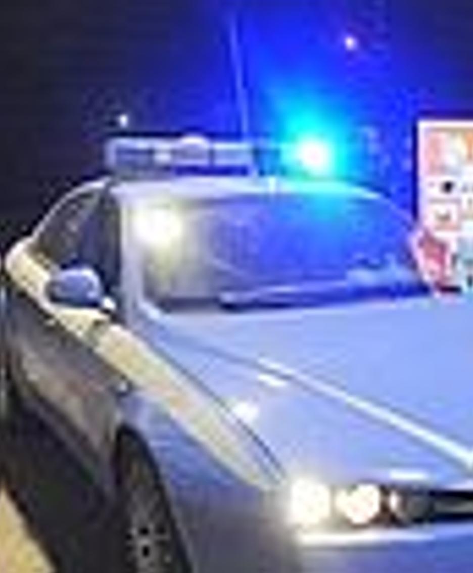 Un'auto della polizia (foto d'archivio)