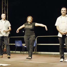 Un quartetto di cabarettisti per una risata di solidarietà
