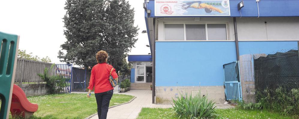 Sant'Angelo: «Nuova piscina, bloccate il piano». La maggioranza: «Nessuno stop»