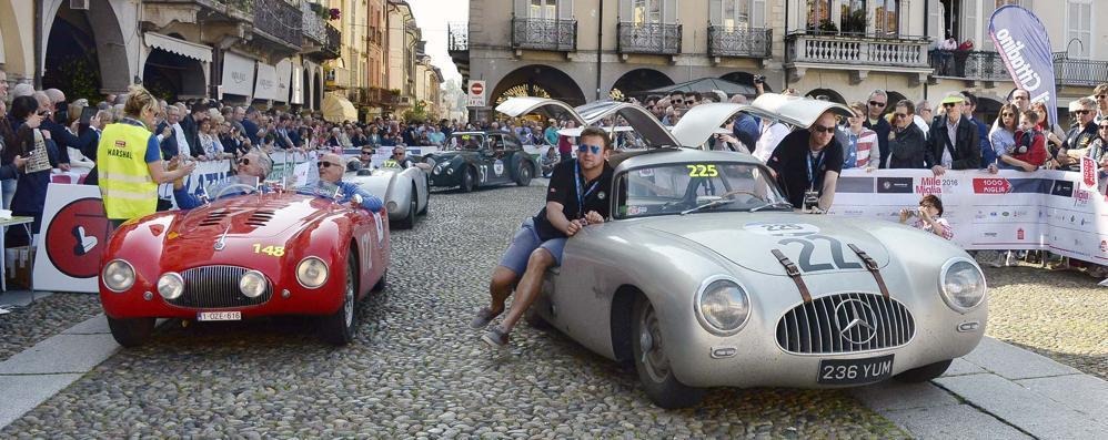 """Parata di """"vip"""" alla Mille Miglia, Lodi si prepara alla festa dei motori"""