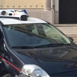 Cliente picchiato e rapinato davanti a un bar, un 18enne arrestato a Tavazzano