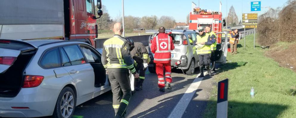 Lodi, schianto in tangenziale: il traffico va in tilt