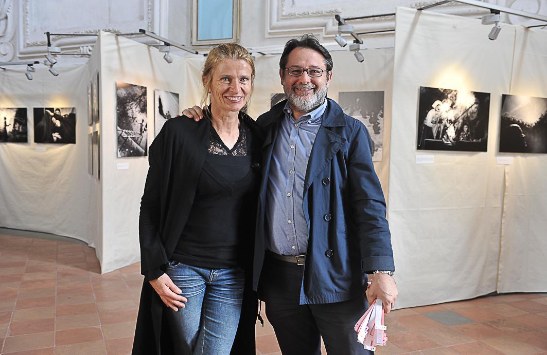 Monika Bulaj autrice di Broken Songlines  (ex chiesa dell' Angelo) con Alberto Prina