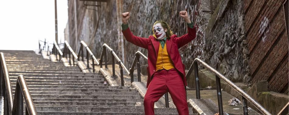 """""""Joker"""", maschera del dolore. Commedia tragica a Gotham"""