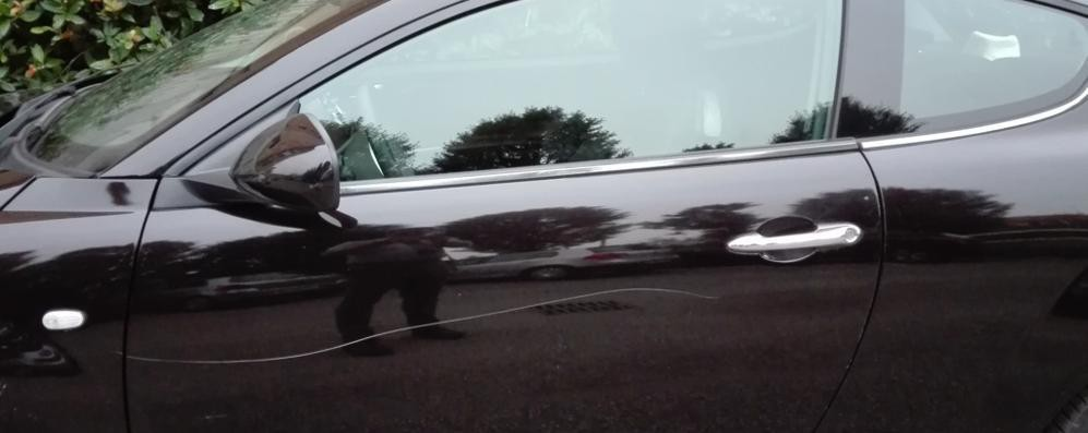Riecco i vandali, una decina di automobili rigate a Melegnano