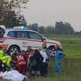 Cade con il parapendio a motore vicino alla Paullese, ferito un uomo di 47 anni