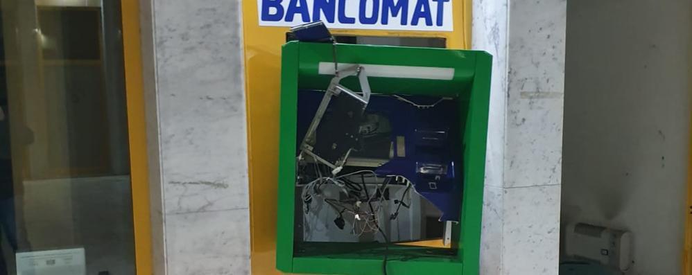 Raid al bancomat, via 50mila euro I ladri ripresi da venti telecamere
