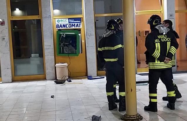 Il bancomat preso di mira dalla banda era stato caricato da poco
