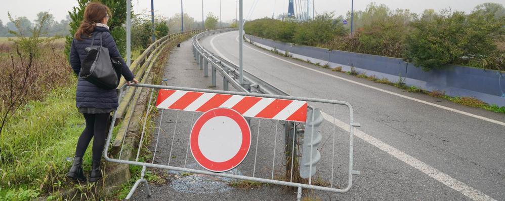 Lo scandalo del ponte: ciclabile pronta da dieci anni ma resta chiusa