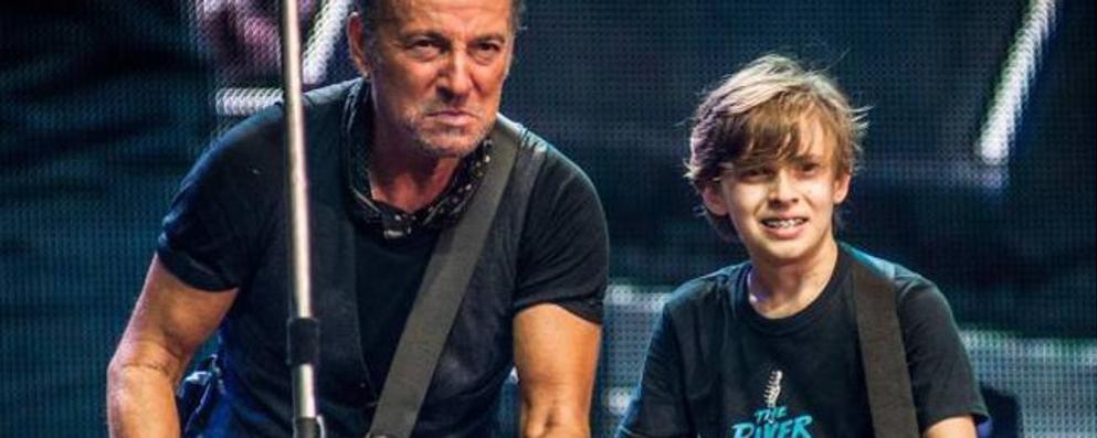 """Il sogno di Leo """"Guitar man"""", nato sul palco di Bruce Springsteen"""