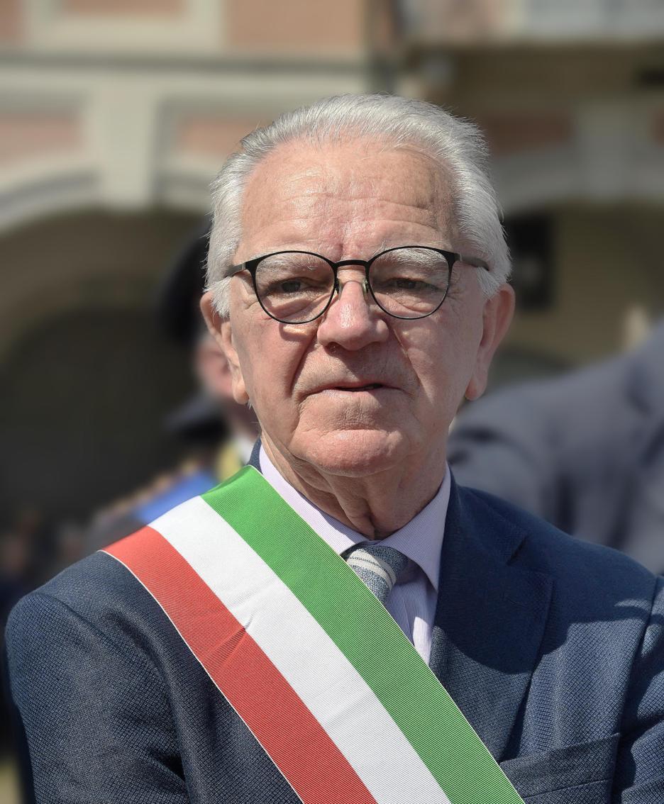 Il sindaco Lottaroli