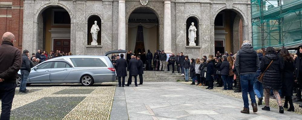 Sant'Angelo, folla ai funerali di Giulia Cantoni