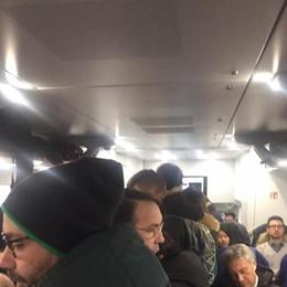 Treni, cinque sindaci in campo: «I pendolari rischiano il posto»