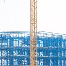 Sale al cielo la torre di Cremonini, raggiungerà i 23 metri di altezza