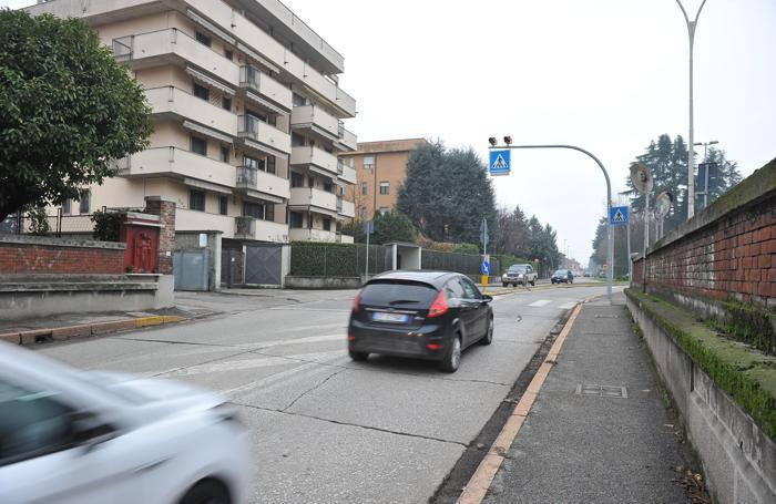 Via San Colombano, uno dei punti più trafficati della città