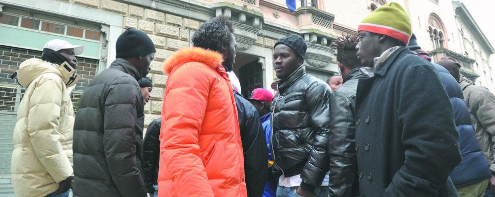 Calano i profughi, ma i soldi non arrivano