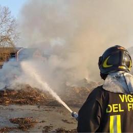Vento e caldo anomalo: in fiamme 100 rotoballe