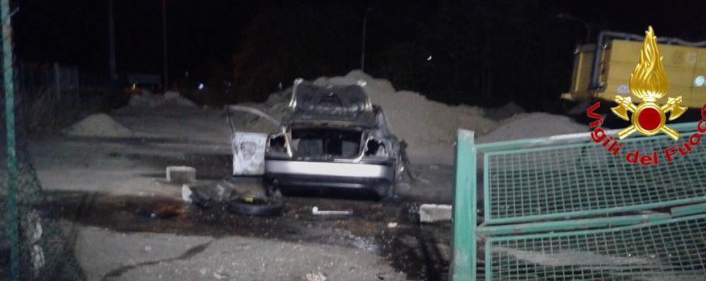 Due auto a fuoco a Salerano e a Sordio