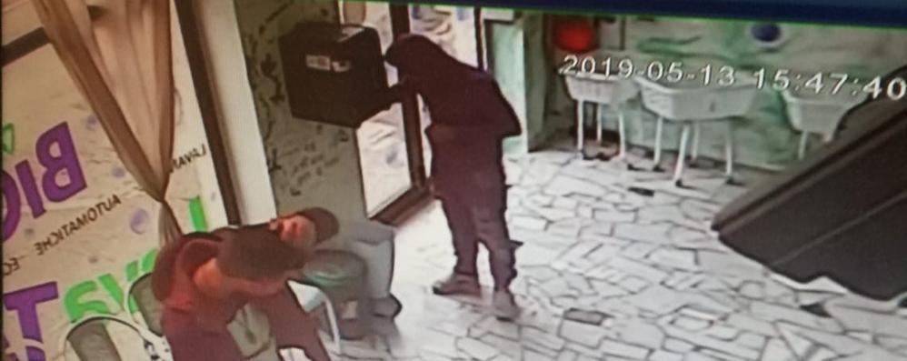 Quattro furti in tre mesi, lavanderia nel mirino dei ladri
