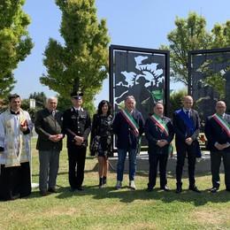 Monumento e premio alle ditte, Caselle Landi rilancia lavoro e famiglie