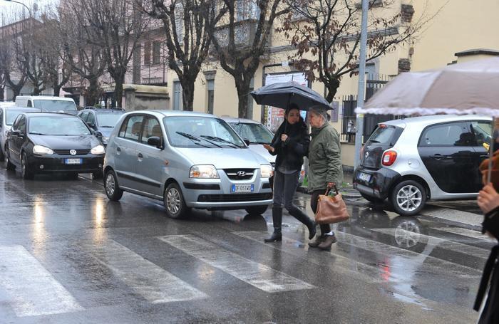 Traffico in via Borgo Adda
