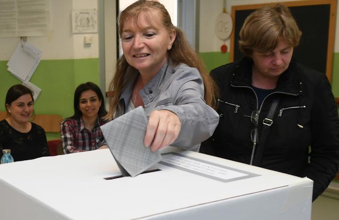 Operazioni di voto a Paullo
