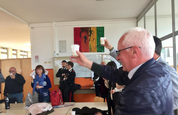 San Colombano, Cesari brinda alla vittoria