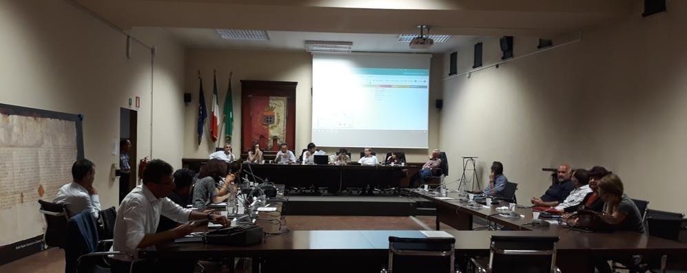 Nessuno approva la maxi spesa,  Melegnano dice addio al referendum sulla navetta