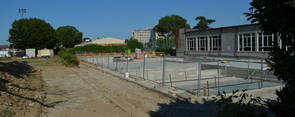 Si allungano i tempi per la nuova piscina di Sant'Angelo: scoppia la polemica