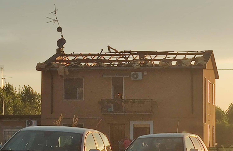 Un edificio danneggiato vicino a Lodi