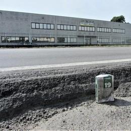 """Allarme sulla strada Mantovana a San Colombano per un """"salto"""" di 25 centimetri"""""""
