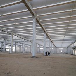 Una logistica nel maxi capannone di Meleti, l'avvio dell'attività a gennaio 2020