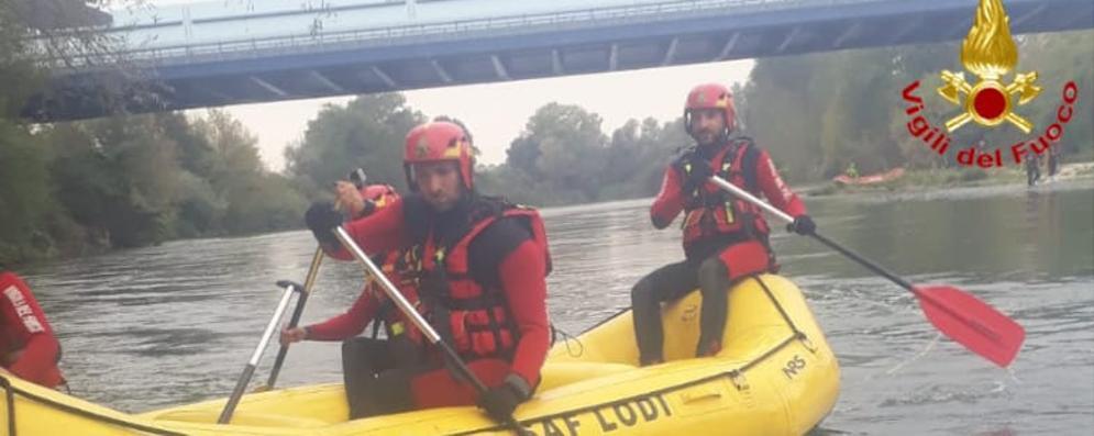 I pompieri si allenano sull'Adda  per  essere pronti in caso di alluvione