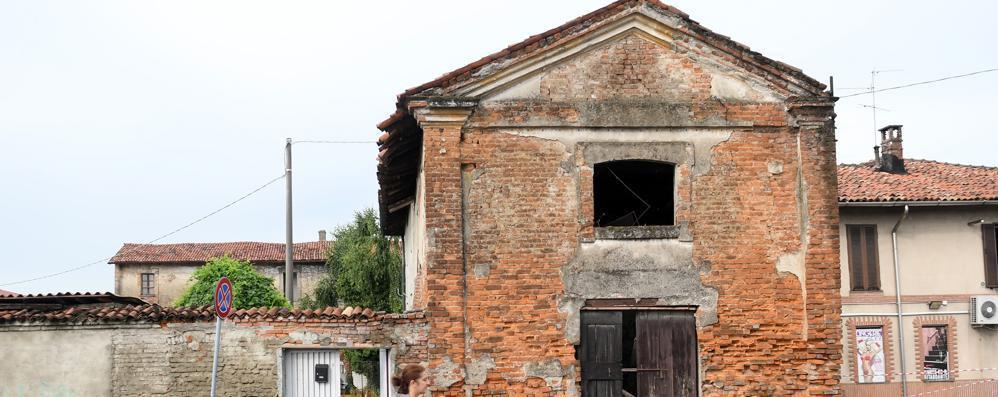 Crolli e degrado, l'antico oratorio di Sesto Ulteriano perde i pezzi