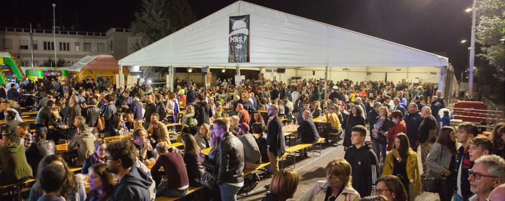 Il gorgonzola conquista Casale: folla alla festa tra musica e sapori