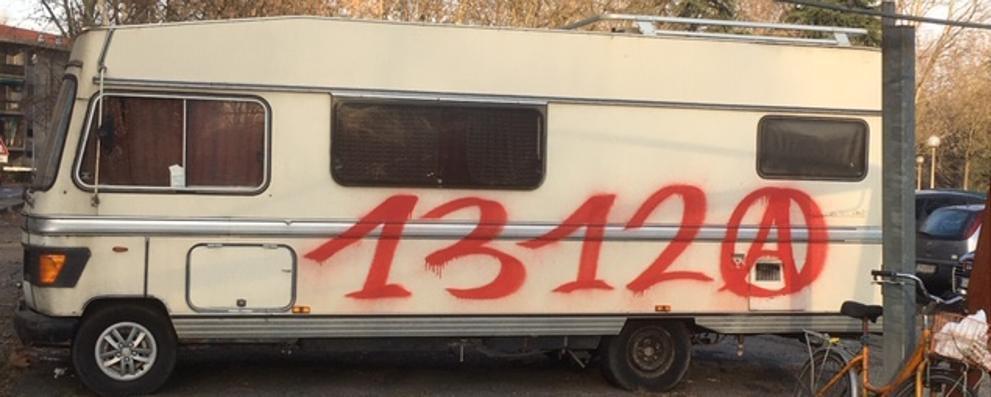 «C'è chi vive a bordo dei caravan posteggiati sulla pubblica strada»