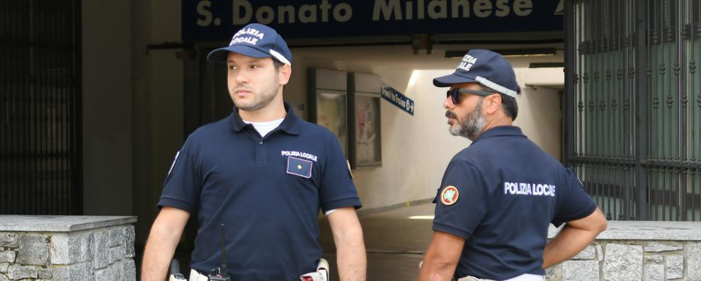 San Donato, ubriaca di mattina: 39enne semina il panico in auto