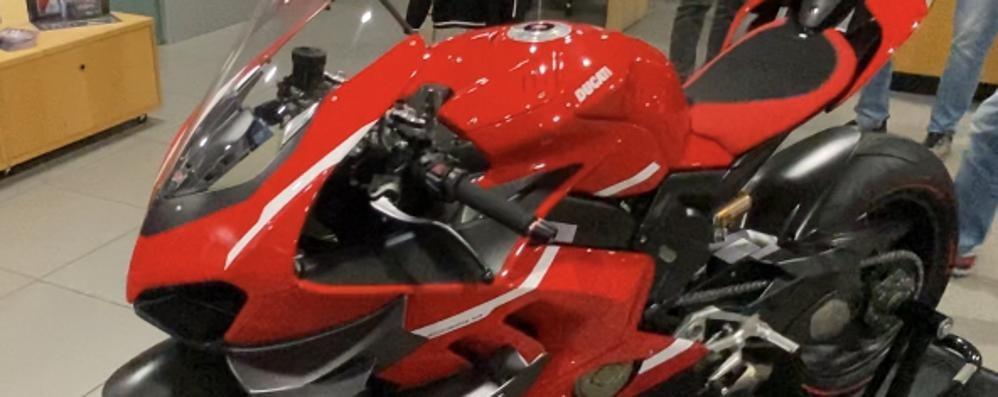CORNEGLIANO Il nuovo gioiello Ducati venduto alla cifra record di 100mila euro VIDEO