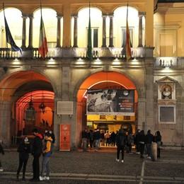 VIDEO - Da giovedì  sera sarà coprifuoco in tutta la Lombardia, stretta su didattica e centri commerciali