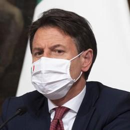 """Covid, Conte firma il Dpcm del """"lockdown soft"""" DIRETTA VIDEO"""