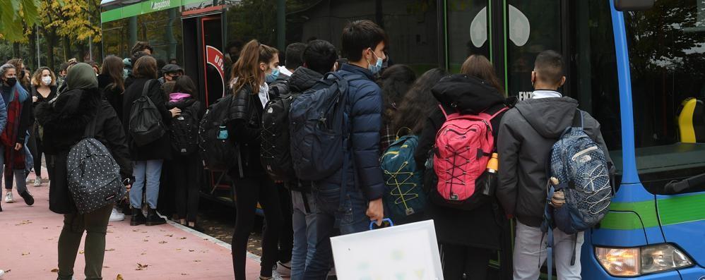 San Donato, su metrò e bus il distanziamento è un miraggio