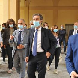 Lombardia, lunedì incontro Regione-sindaci per fare il punto sui dati Covid