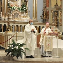 Il vescovo a Ossago prega per tutti i malati e le vittime Covid