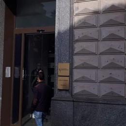 Quattro dipendenti positivi, chiude Banca Intesa di piazza Mercato a Lodi