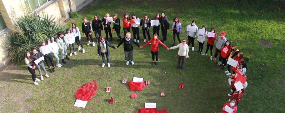 «Progetti educativi contro la violenza sulle donne»