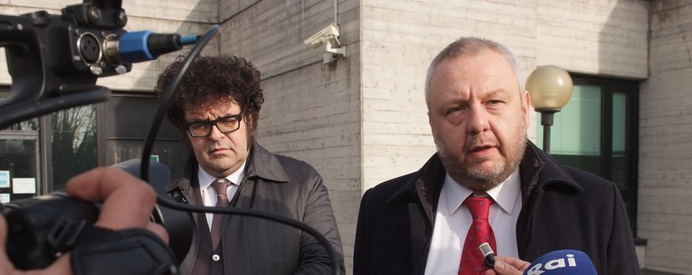 Un imputato è in quarantena, rinviato a marzo l'appello per l'ex sindaco Uggetti