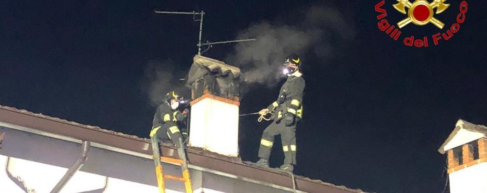 Sant'Angelo, allarme per l'incendio della canna fumaria